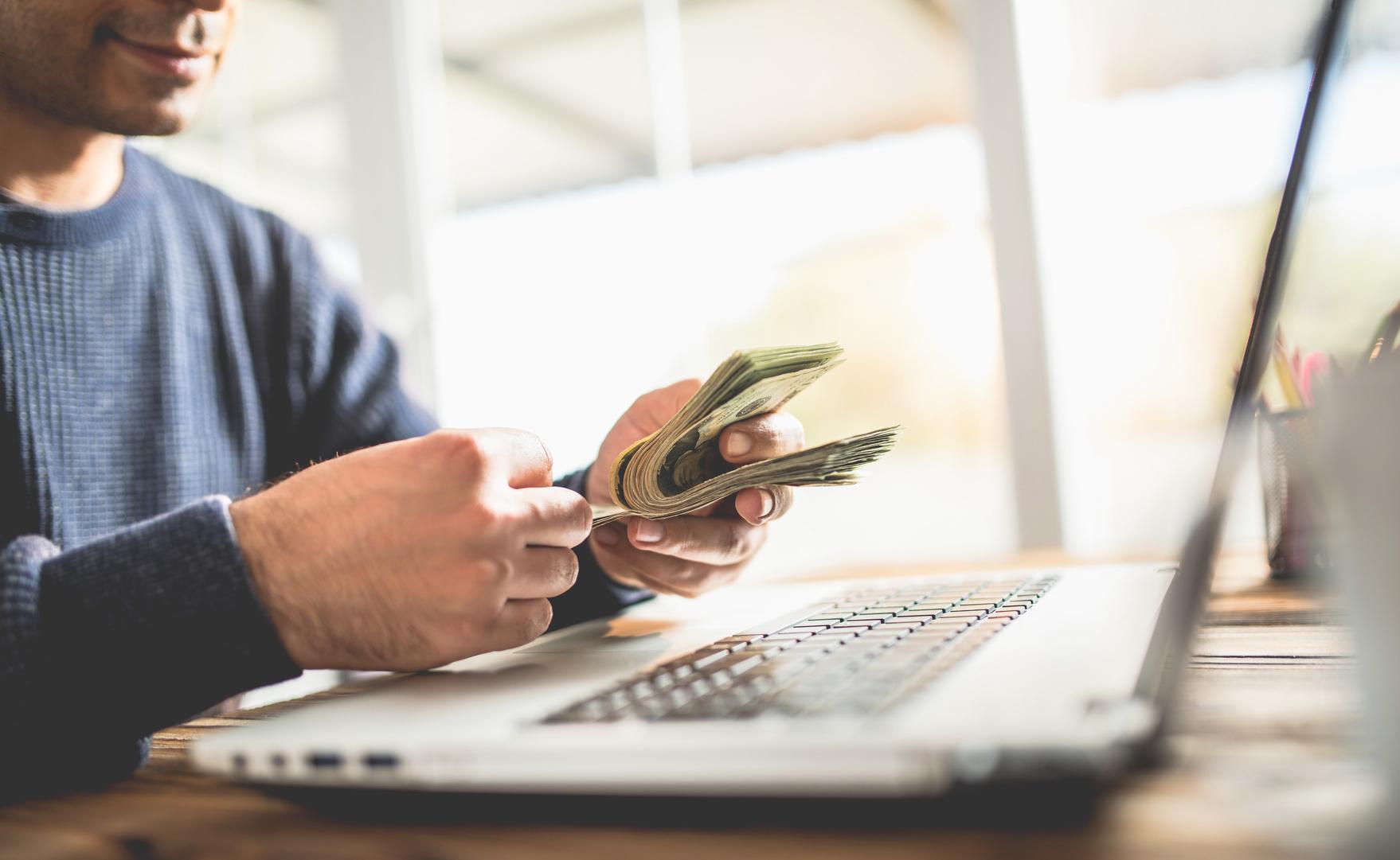 Gagner de l'argent avec le parrainage